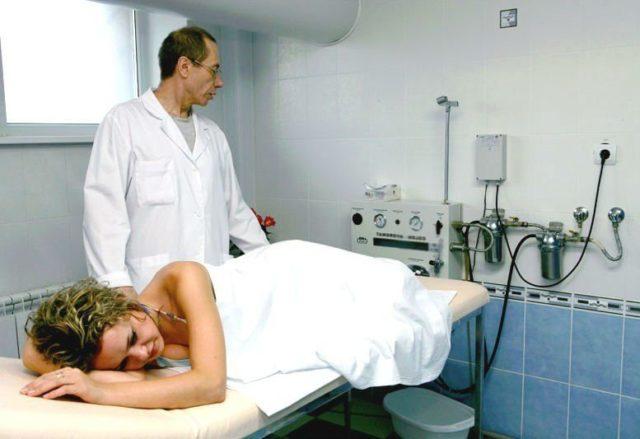 Суть процедуры сводится к тому, что в просвет узла с помощью инъекции вводится специальное лекарственное вещество — склерозант