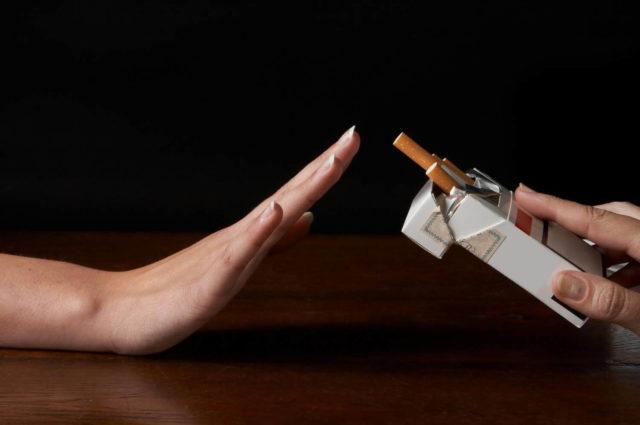Геморрой и курение – весьма опасная комбинация, которая может привести к острым осложнениям