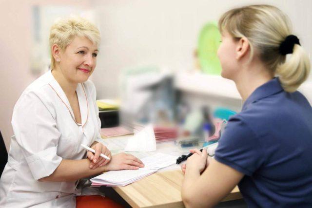 В больших количествах лук может спровоцировать обострение астмы и повысить кровяное давление