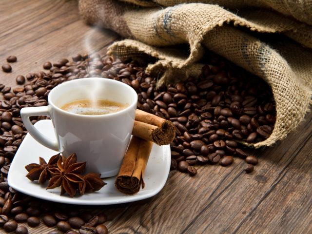 При патологии желудочно-кишечного тракта употребление кофеиносодержащих продуктов категорически запрещено