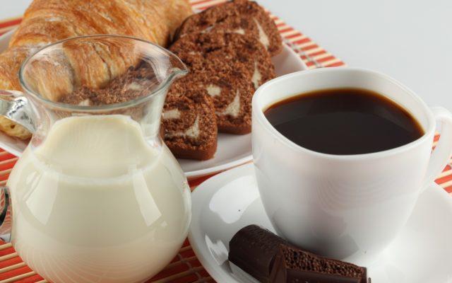 Также предотвратить проблемы с опорожнением можно путём замены привычного напитка на кофе без кофеина
