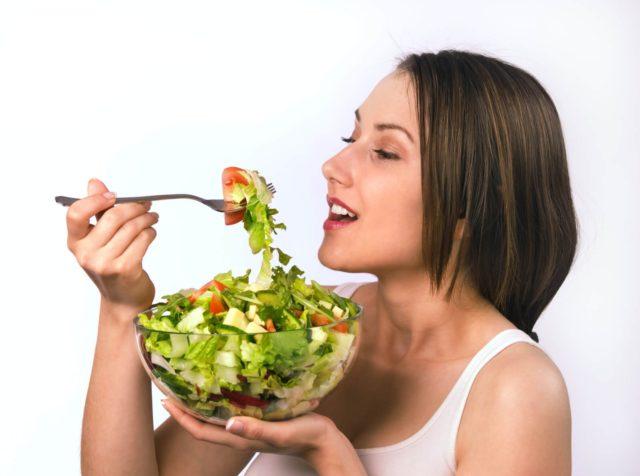 При появлении запоров, нужно нормализовать питание
