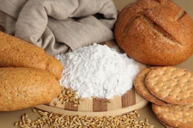 Пшеничные отруби. Они самые мягкие, содержат микроэлементы, витамины, идеальны для лечения непроходимости кишечника