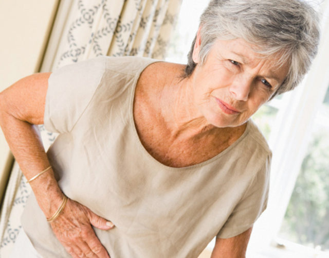 В ходе лечения хронического запора у пожилых людей, часто приходится изменять образ жизни и диеты